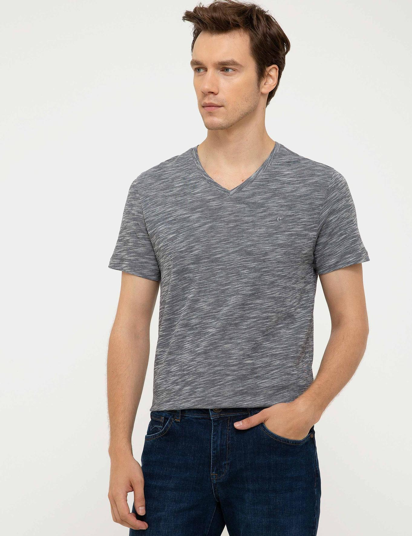 V Yaka T-Shirt - 50202493042
