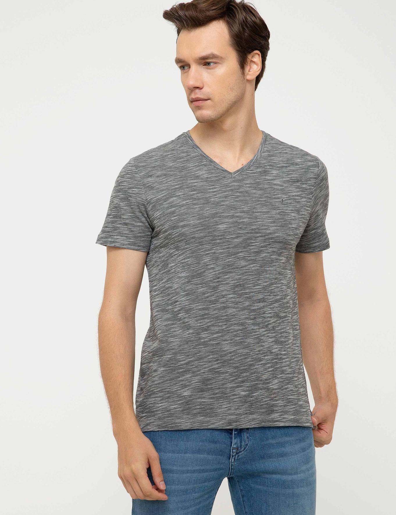 V Yaka T-Shirt - 50202493029